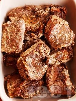 Крехко задушено телешко месо със сметана и соев сос в печено в йенско стъкло (йенска тенджера) - снимка на рецептата